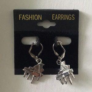 Grand Piano dangly earrings 💕